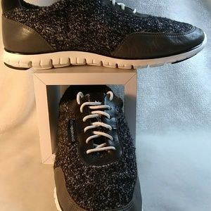 Women's Gray and black zerogrand sneakers